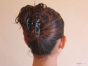 670px-Put-Your-Hair-Up-with-a-Jaw-Clip-Step-5